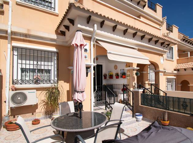 Townhouse - Resale - Villamartin - entre golf