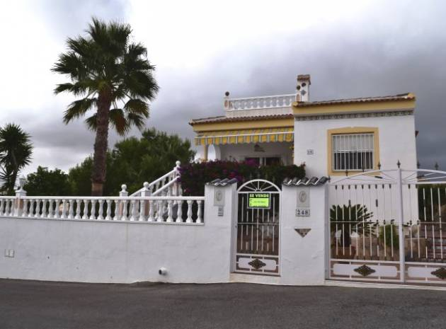Villa - Wederverkoop - Algorfa - Montemar - Saint Andrews Heights
