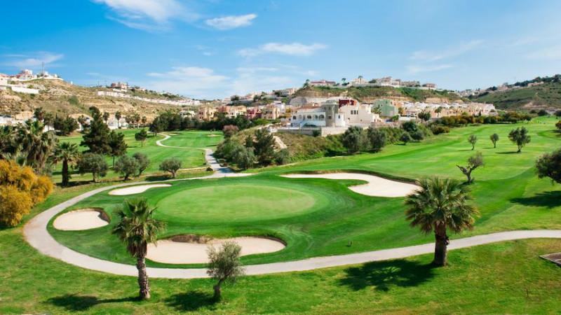 Koop een nieuwe vrijstaande villa in Ciudad Quesada, Alicante. Ontdek ons aanbod