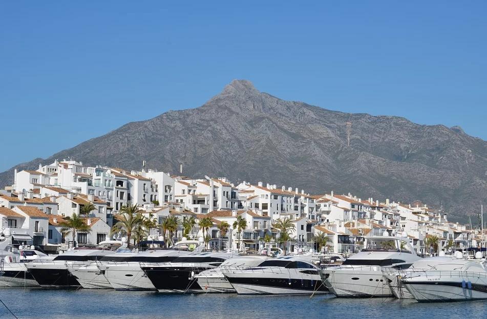 Neue spanische Immobilien erweitern das Gebiet mit Neubauten an der Costa del Sol - Malaga!