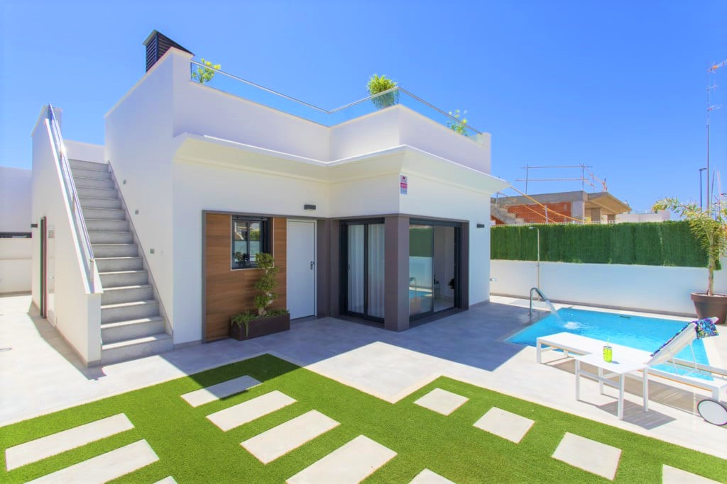 Completed! Mike & Liz Complete On Their Los Alcazares New Build Villa