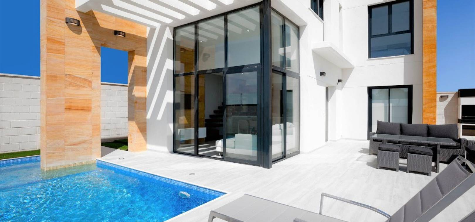 Complete - Key Ready - Villa - Cabo Roig