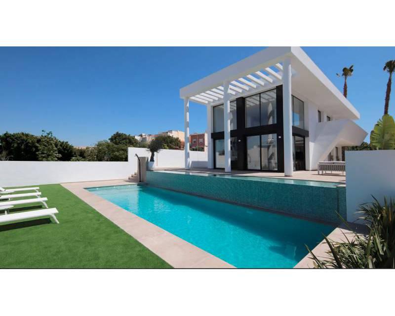 Villa - Compleet- Sleutel Klaar - La Marina - Alicante